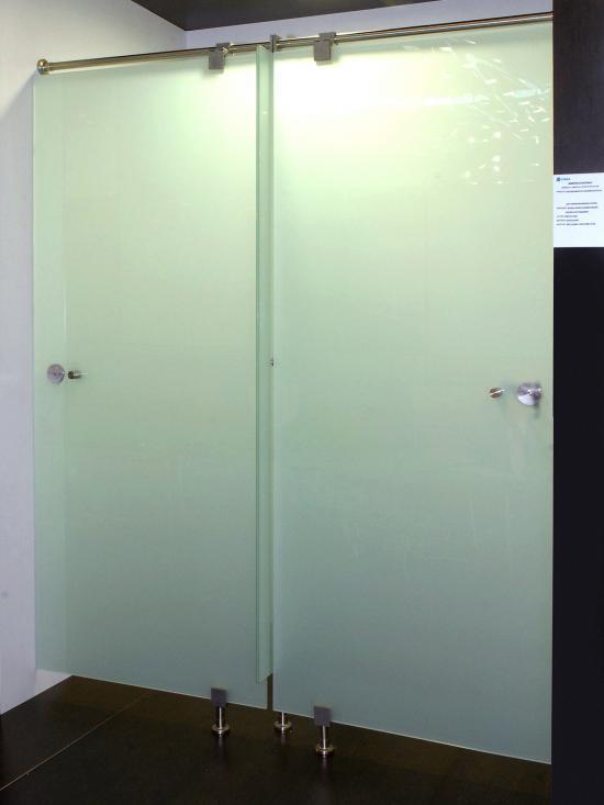 Cabina en cristal 3 pivotante laminado en color