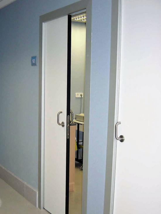 Puerta Técnica corredera en Hospital