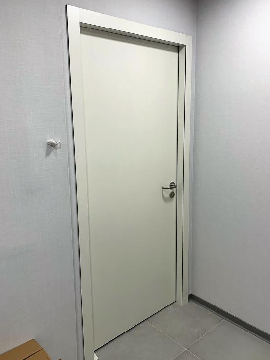Puerta integral con marco fenólico